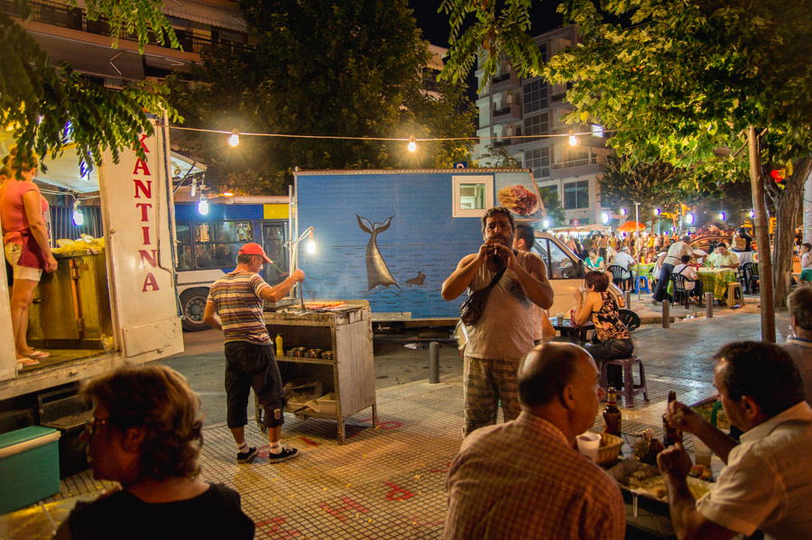 Street musicians  at street fair in Thessaloniki. Photo by Ilias Antoniou.